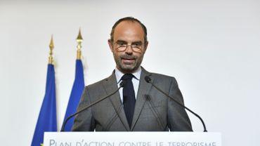 """Le Premier ministre français Edouard Philippe a annoncé vendredi la création d'une """"cellule spécifique"""" afin de suivre, à leur sortie de prison, les détenus terroristes ou radicalisés."""