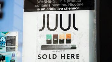 Un magain vendant des e-cigarettes Juul à Los Angeles le 17 septembre 2019