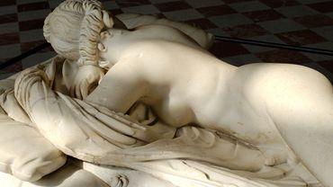 Hermaphrodite endormi, copie romaine d'un original grec, époque impériale (IIe siècle ap. J.-C.), musée du Louvre