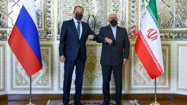 Le ministre iranien des Affaires étrangères Mohammad Javad Zarif et son homologue russe Sergueï Lavrov, le 13 avril 2021 à Téhéran