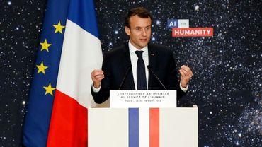 Le président Emmanuel Macron dévoile un plan de financement et de développement pour l'intelligence artificielle, le 29 mars 2018 à Paris
