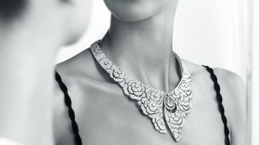 Haute joaillerie : dentelle et ruban se transforment en parures chez Chanel