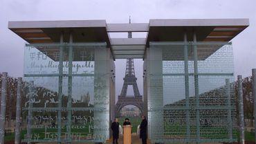 Le Mur pour la Paix à Paris avait été inauguré en 2000