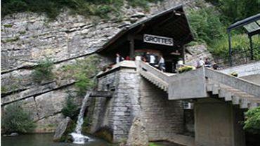 L'entrée des grottes de Remouchamps.