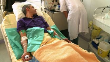 A l'heure actuelle, toute personne qui reçoit une greffe de moelle osseuse est contrainte de subir une chimiothérapie ou une radiothérapie afin de détruire d'abord ses propres cellules souches.