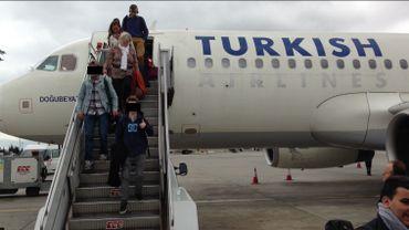 Les deux mineurs ont suivi le même chemin que les jeunes Belges partis combattre en Syrie: ils arrivent à Istanbul sans accord parental, et surtout sans aucune opposition