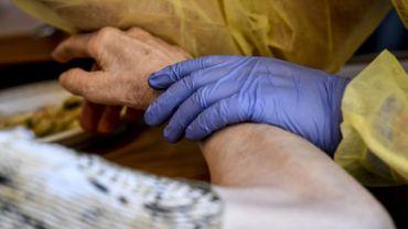 Dilemne des maisons de repos face à la recrudescence de cas de coronavirus: à Nivelles, les visites sont à nouveau suspendues