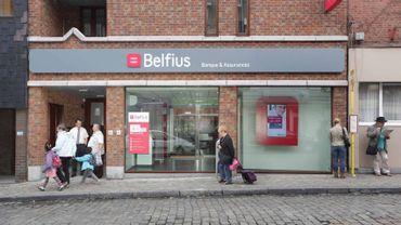 La banque Belfius a doublé le tarif de ses comptes bancaires sociaux