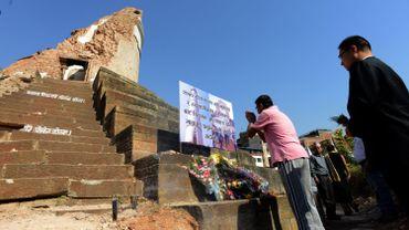 Un an après, le Népal rend hommage aux 9000 victimes du séisme