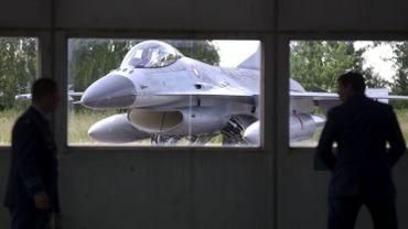 Quel remplaçant pour le F-16? Les militaires donnent leur avis