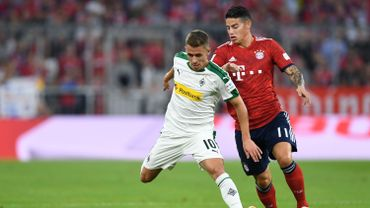 Thorgan Hazard en duel avec James Rodriguez