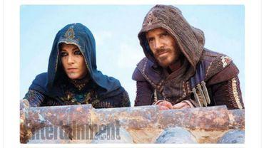 Michael Fassbender et Ariane Labed dans leur costume d'assassin