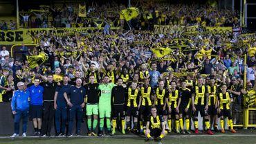 Les joueurs du Lierse et leurs supporters