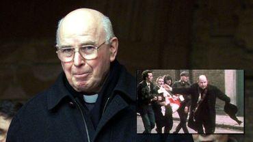 En 1972, lors de la tuerie de Bloody Sunday, il avait agité un mouchoir blanc face à des soldats (cadre).