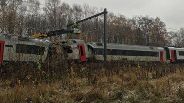 """Le train """"fantôme"""" avait fini sa course contre un autre train, dans lequel quelques passagers avaient été blessés."""