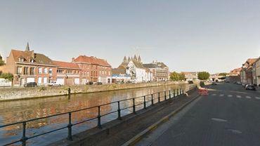 A Tournai, les riverains habitant à proximité du quai Vifquin se plaignent, essentiellement du bruit provoqué par les machines affairées à la mise à gabarit de l'Escaut.