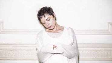 Rencontre avec Mélanie de Biasio, qui donne souffle à l'art du vivant…