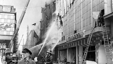L'incendie de l'Innovation, il y a 50 ans. Comme on le voit sur cette image, le grand magasin s'était mis à l'heure américaine.