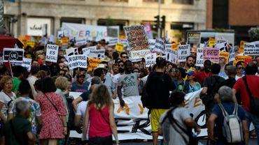 Des manifestants, le 17 juin 2017 à Madrid, pour réclamer du gouvernement espagnol qu'il honore son engagement envers l'Union européenne d'accueillir plus de 17.000 réfugiés