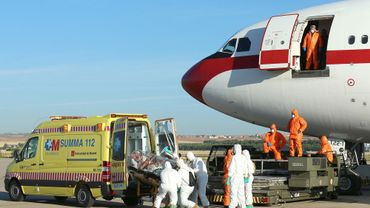 Ebola: le monde s'organise pour éviter la propagation du virus