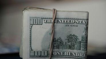 Une liasse de dollars photographiée le 18 septembre 2011.