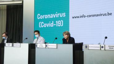 La conférence de presse du centre interfédéral de crise se tient désormais trois fois par semaine à 11h.