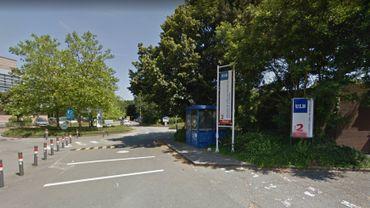 Une entrée du campus de la Plaine(ULB) près du quartier Delta.
