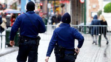 À l'avenir, les agents de police non-armés ne devraient plus patrouiller seuls.