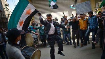 Des opposants au régime manifestent le 13 avril 2013 dans la ville d'Alep
