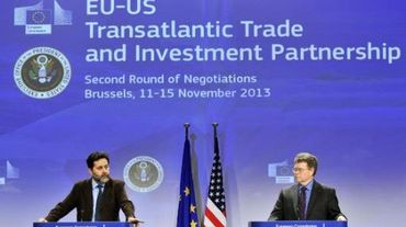 Les négociateurs du traité transatlantique lors d'un round de discussions en novembre 2013