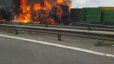Un camion en feu sur l'E40