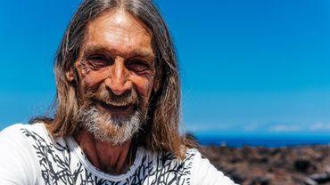 Jon Lovgren transmet les valeurs d'Ho'oponopono depuis Big island, sa vie a changé grâce à cette pratique ancestrale hawaiienne.