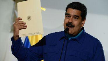 Le président vénézuélien Nicolas Maduro s'adresse à la presse avant un meeting à Caracas le 7 février 2018