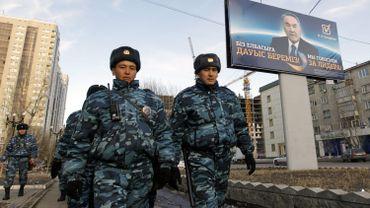 Neuf membres des forces de l'ordre ont été blessés dans l'attaque
