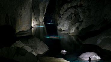 Un des rares visiteurs de la grotte Son Doong, au centre du Vietnam, le 19 janvier 2021.