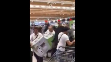 France: des scènes de cohue dans les magasins Lidl pour la sortie d'un robot ménager (vidéos)
