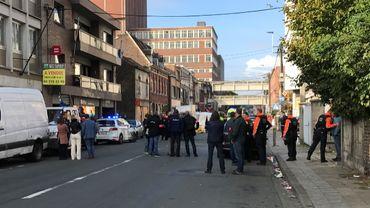 """Fusillade à Liège: """"Le suspect était contre le mur, le ton commençait à monter"""" raconte un témoin"""