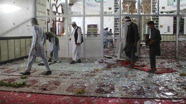 Vue de l'intérieur d'une mosquée de Gardez dévastée par un attentat suicide le 3 août 2018