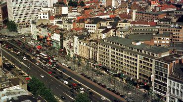 Le gouvernement bruxellois planche sur des solutions pour inciter les propriétaires à convertir leurs bureaux inoccupés en logement.