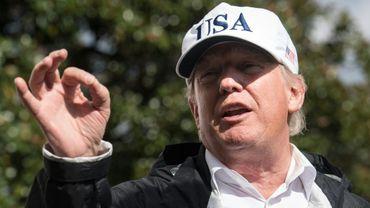 """Donald Trump Persiste et signe: """"J'ai dit, vous avez aussi des gens très mauvais de l'autre côté, et c'est vrai"""""""