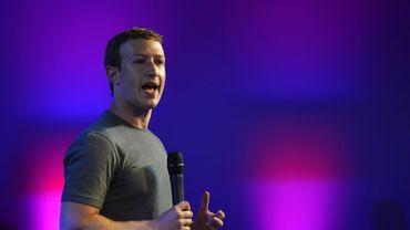 Le PDG de Facebook Mark Zuckerberg n'a en aucun cas sciemment enfreint un accord avec le régulateur encadrant sa gestion des données personnelles, a assuré mercredi le réseau social.
