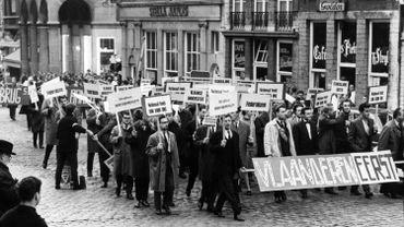 Les étudiants flamands manifestent en nombre, comme en 1966 lorsque les évêques de Belgique proclament l'unité de l'université de Louvain.