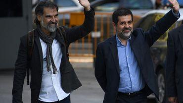 Les indépendantistes catalans Jordi Sanchez (d) et Jordi Cuixart (g), le 16 octobre 2017 à Madrid