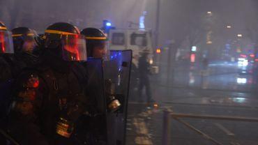 Gilets jaunes: interpellation d'un des auteurs des violences contre des policiers à moto à Paris
