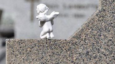 Le petit Thibault était  décédé en juillet 2009, après s'être coincé la tête dans  les barreaux d'un sommier chez une gardienne