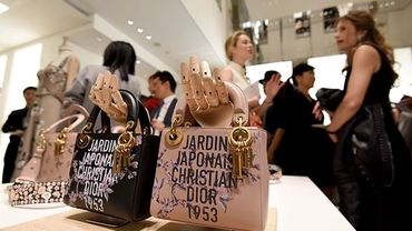 Japon: les crises défilent, le luxe reste