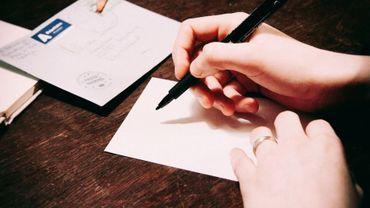 Pas facile pour tout le monde de rédiger un courrier sans aide.