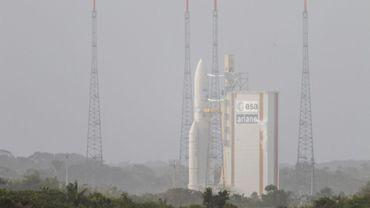 La fusée Ariane V se prépare au lancement avec deux satellites à bord le 5 avril 2018 à Kourou en Guyane française. Grâce aux satellites Immarsat a lancé un système d'internet à haut débit à bord des avions
