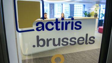 Un peu plus de 51.000 Bruxellois travaillent en Flandre,un record. C'est 10.000 personnes de plus que5 ans auparavant, soit une hausse de 12 %.