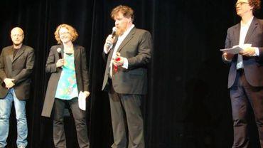 Bouli Lanners sur scène pour recevoir son 2ème prix